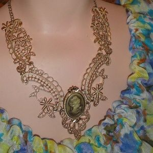 Vintage Style Cameo Statment Necklace Goldtone